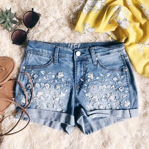 WALLFLOWER Denim Jeans w/ Floral Design❁